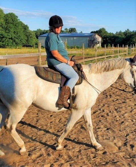 Hope horseback riding, trim